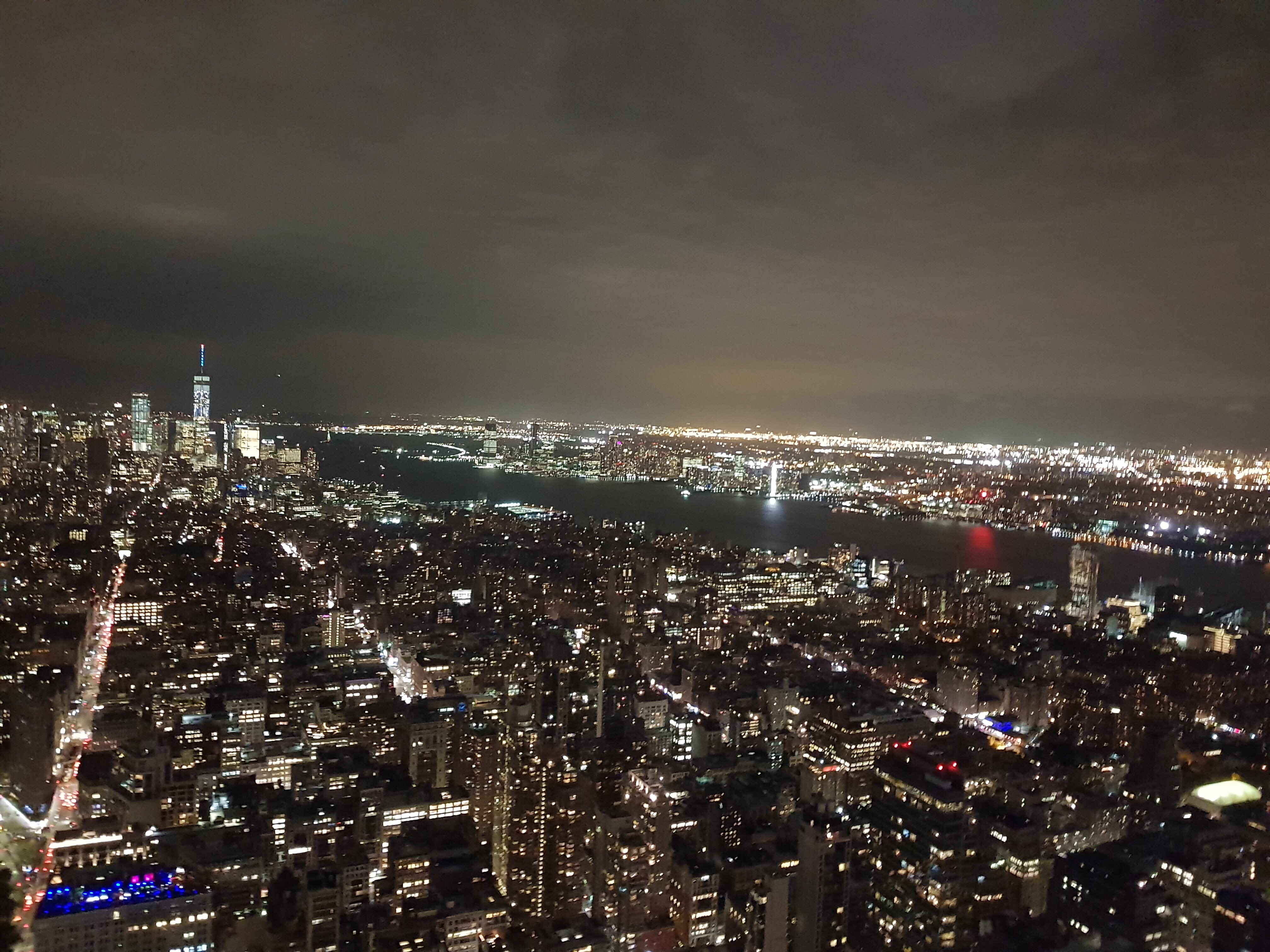 New York depuis Empire state building de nuit