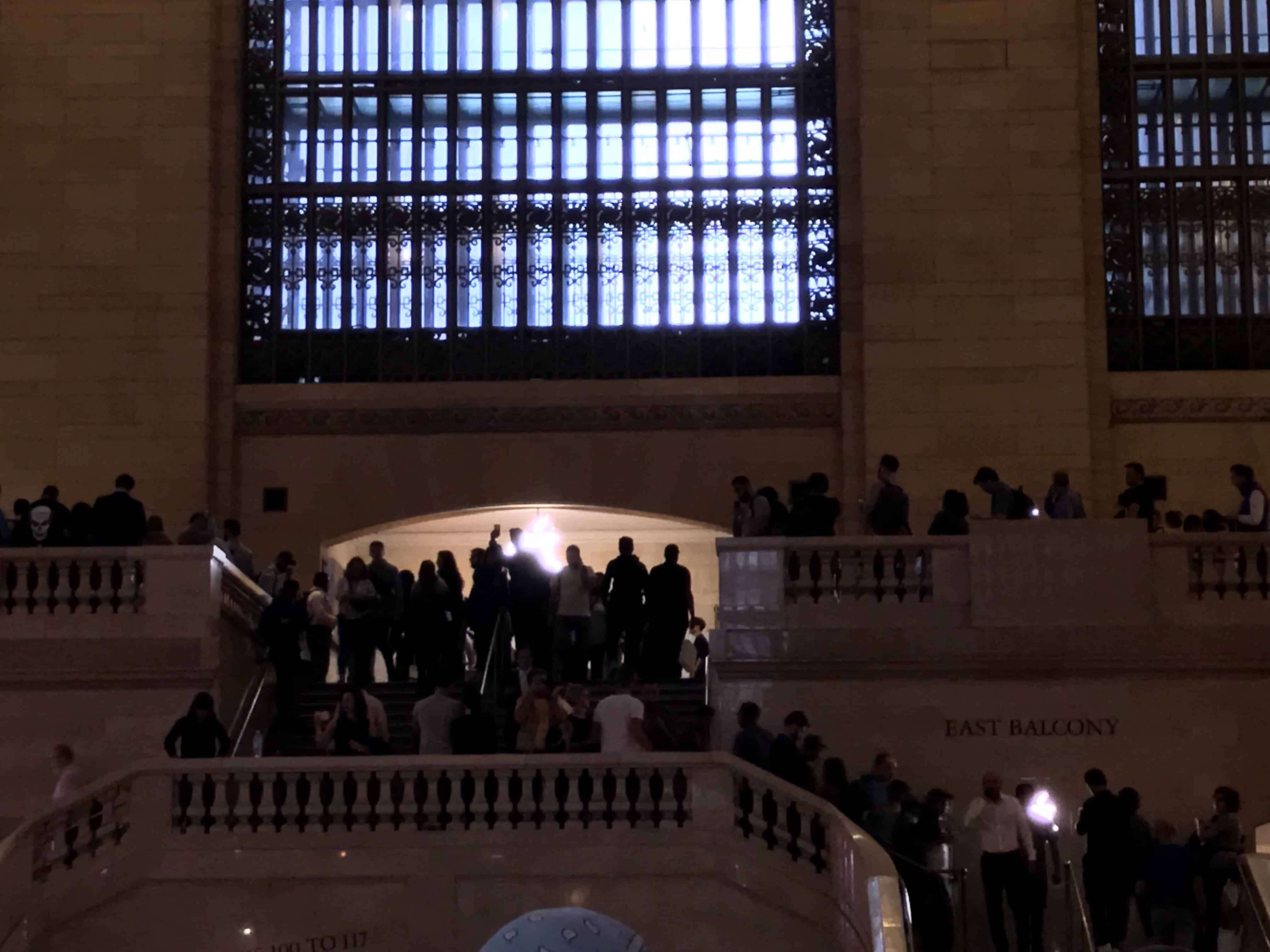 Apple Store New York Grand Central jour sortie iPhone X/S/Max/Plus